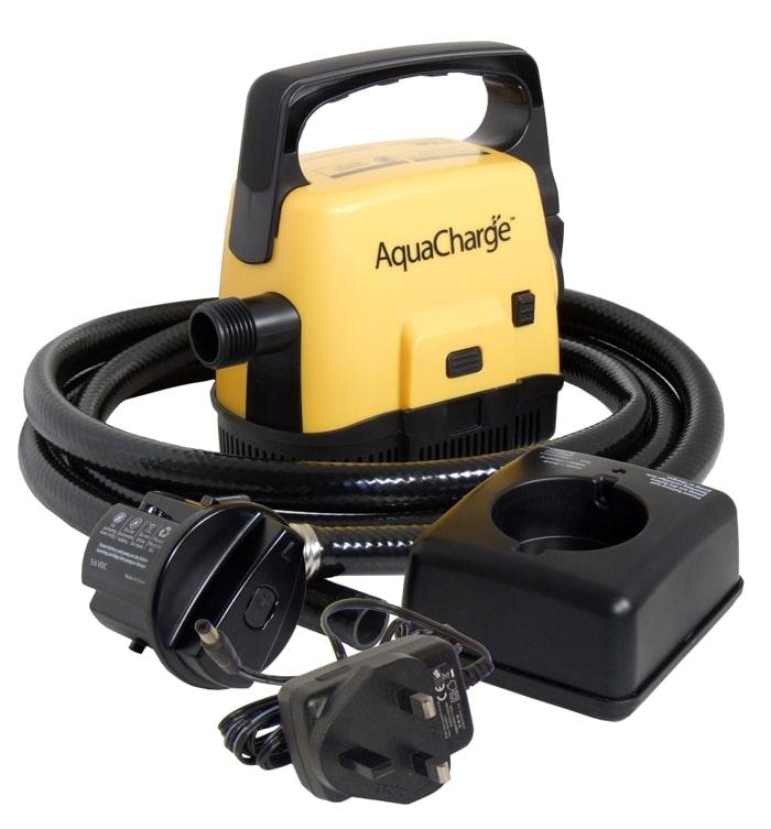 Aquacharge pomp inclusief accessoires