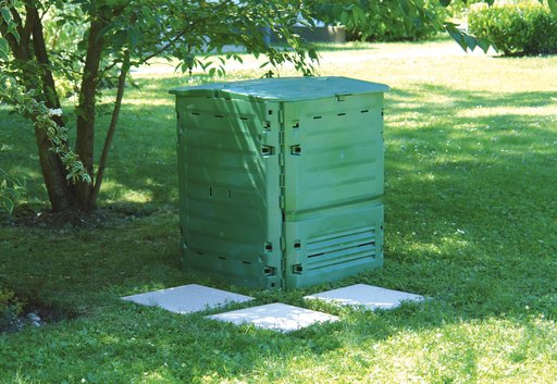 Compostvat Eco King 400 in tuin