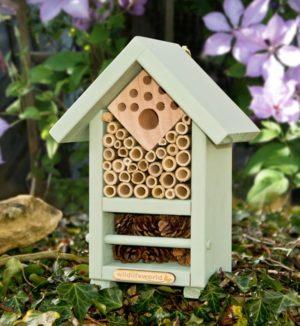 Insectenhotel voor bijen en kevers